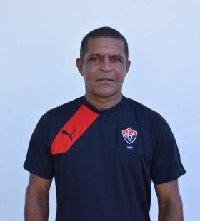 Luiz Alcides - roupeiro